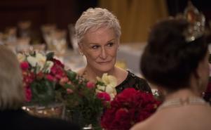 """Foto: SF Studios. Glenn Close går på Nobelfesten i dramat """"The wife"""", om en kvinna som levt sitt liv i skuggan av en självupptagen kulturman. Men under veckan i Stockholm bubblar hemligheter upp till ytan."""