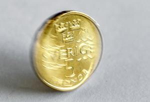 Varför inte använda mynt och andra kontanter? undrar Henrik Scheutz. Foto: Anders Wiklund