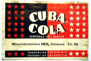Cuba Cola har sedan starten 1953 tillverkats av ett flertal olika bryggerier, vilket den här etiketten visar. Bilden kommer från boken