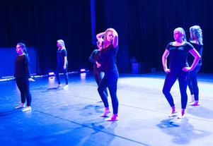 Sundsvalls kulturskolas danselever deltog förstås också i Dansens vecka och firandet av Internationella Dansdagen.