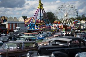 Förutom tävlingar, bilutflykt och cruising bjuder årets upplaga även på tivoli och livemusik under helgen.