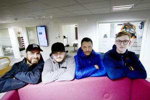 Sandvikenhus rekryterar utrikesfödda till säsongsarbete. Ahmed Thamin, Eric Söderholm, Tesfom Tesfamicmet och Mattias Jansson.