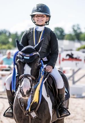 Det blev dubbla medaljer för Ellen Hammarström och Tullohea Minnie på SM i somras.