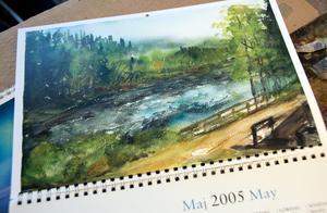Tre gånger har hon målat akvareller med naturmotiv som har blivit almanackor för SCA. Då har hon sökt stämningar som passar för varje månad.