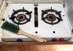 Möjligheter till matlagning finns. Husvagnarna innehåller en liten köksdel.Foto: Stefan Jerrevång / TT