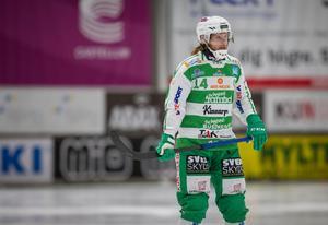 Patrik Sjöström var tillbaka i ABB Arena men i rött ställ istället för grönvitt när hans ryska lag Jenisej var på besök.