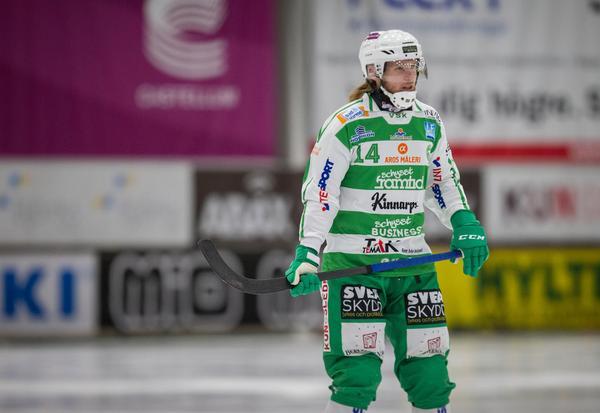 Tre mål på de två senaste matchena har det blivit för VSK-backen Patrik Sjöström.