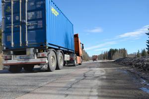 Även slitna Timmervägen kommer att asfalteras om i Sundsvall.