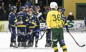 Seriefavoriten Falu BS var illa ute mot Ljusdal i den allsvenska premiären. Se höjdpunkterna från den matchen – och alla andra allsvenska drabbningar – i höjdpunktssvepet nedan.
