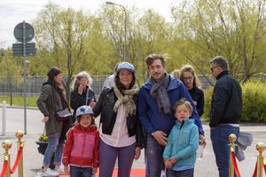 Maia Hirasawa och Jesper Hedin Hirasawa med Ebbe och Lise. Foto: David Söder