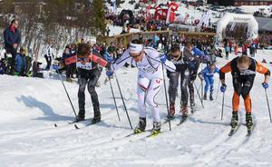 Det blev en dramatisk slutstrid i herrklassen. Oskar Svensson till höger blev till slut vinnare.