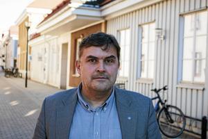 Bernard Niglis, vd på Salabostäder, säger att radon finns i olika mängd i nästan alla bolagets områden.