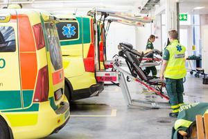 Att sälja ut ambulansen är en dålig idé menar de socialdemokratiska oppositionsråden i Region Dalarna.