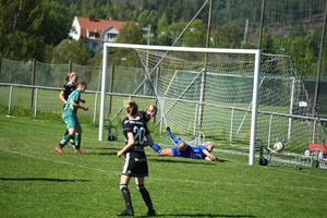 Josefin Larsson hade en av få målchanser för Själevad.