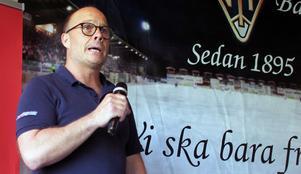 Klubbchef Robert Lindgren ser ingen dramatik i det extrainsatta årsmötet – bara en nödvändig uppgradering av föreningens stadgar.