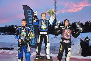 Prispallen i SM. Från vänster, Niclas Svensson, Martin Haarahiltunen och Jimmy Olsén.