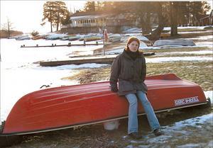 Vinterbilden 2001. Årets modell: Marit Nilsson. Medeltemperatur: -1,4. Nederbörd: 172,7. Foto: Ulf Eneroth.