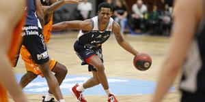 Cleveland Jackson var som vanligt en av Köping Stars bästa på planen.