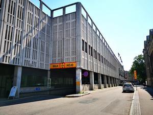 Östra Kyrkogatan. Nedfart till varutunneln under Västerås centrum.