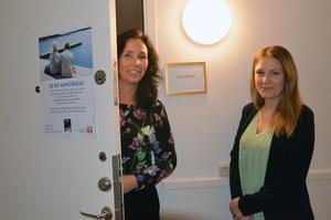Lisa Östlund och Jessica Pålsson välkomnar fler volontärer till anhörigstödet.
