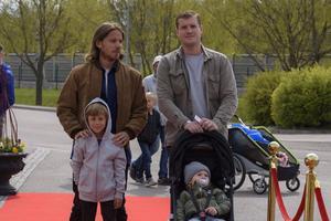 Albin Johnsen, Simon Schubert med Frank och Elle. Foto: David Söder