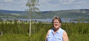 Ulla Thelin framför sin bygd.