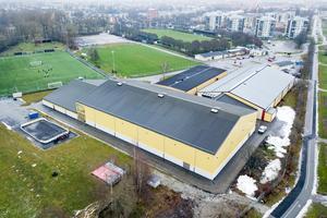 Två rinkar inomhus på Trängen. Där delar 600 ungar i Örebro Hockey Ungdom tid och plats med två konståkningsklubbar (ÖKK och KK Lutz), och med HC Örnen.