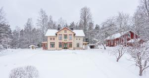 Sekelskifteshuset från 1905 är veckans mest klickade i Heby och Sala. Det är även det femte mest klickade objektet i hela Sverige. Foto: Carlsson Ring Fastighetsmäklare