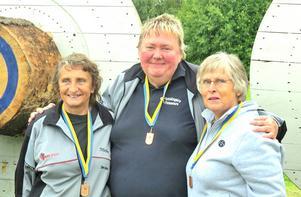Majly Frisk, Anki Hedberg och Inga Norin tog brons i herrklassen. De tävlade i herrklassen eftersom det var för få damlag anmälda för att gälla som SM.