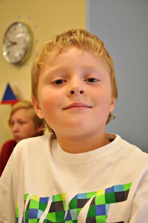 Casper Andersson,  7 år, klass 1:– Nu är det riktig skola så det känns bra. Fast nu kommer vi träna på saker mer på riktigt.