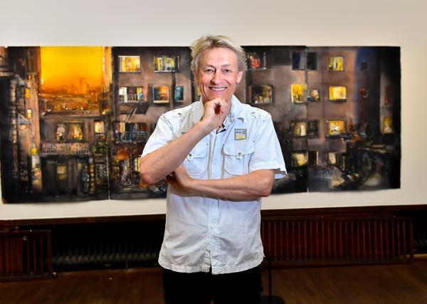 En av de målningar som Lars Lerin visar på Liljevalchs har ett motiv som hämtat inspiration från Hitchcockfilmen