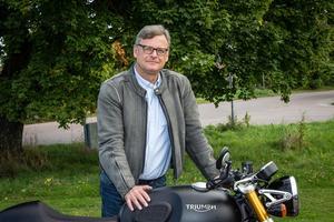 Jesper Christensen, generalsekreterare Sveriges MotorCyklister, menar att fler fartkameror och mitträcken är fel väg att gå.Bild: Joachim Sjöström, SMC