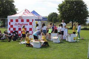 Vatten och frukt var populärt bland deltagarna.