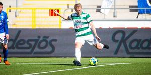Simon Johansson gjorde mål en gång med varje fot när VSK vann.