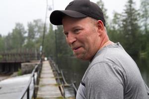 Hur kan Nordanstigs kommun lägga så mycket resurser på att överklaga en vattendom undrar Stefan Åkerlund som driver Vade kraftverk i Bergsjö.