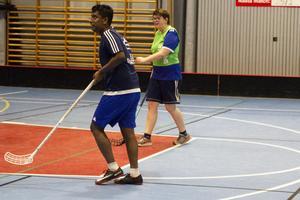 Efter en en stund med övningar spelades en match tillsammans med ledarna.