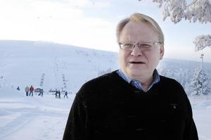 Peter Hultqvist menar att Folk och Försvar i Sälen fyller en viktig funktion för främjande av fred, beredskap och säkerhet.