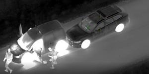 När polispatrullerna försökte stoppa budbilen vägrade föraren att stanna. Foto: Polisen