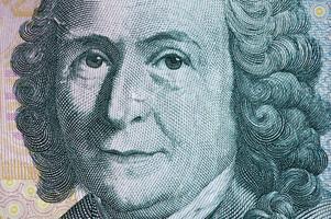 1700-talets mest berömde svensk och en av dem som grundade svensk vetenskaps rykte ute i världen var också tillräckligt betydelsefull för att finnas med på förra uppsättningen svenska sedlar.