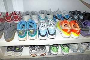 Patrik gillar sneakers. Han har 150 par och använder dem alla.
