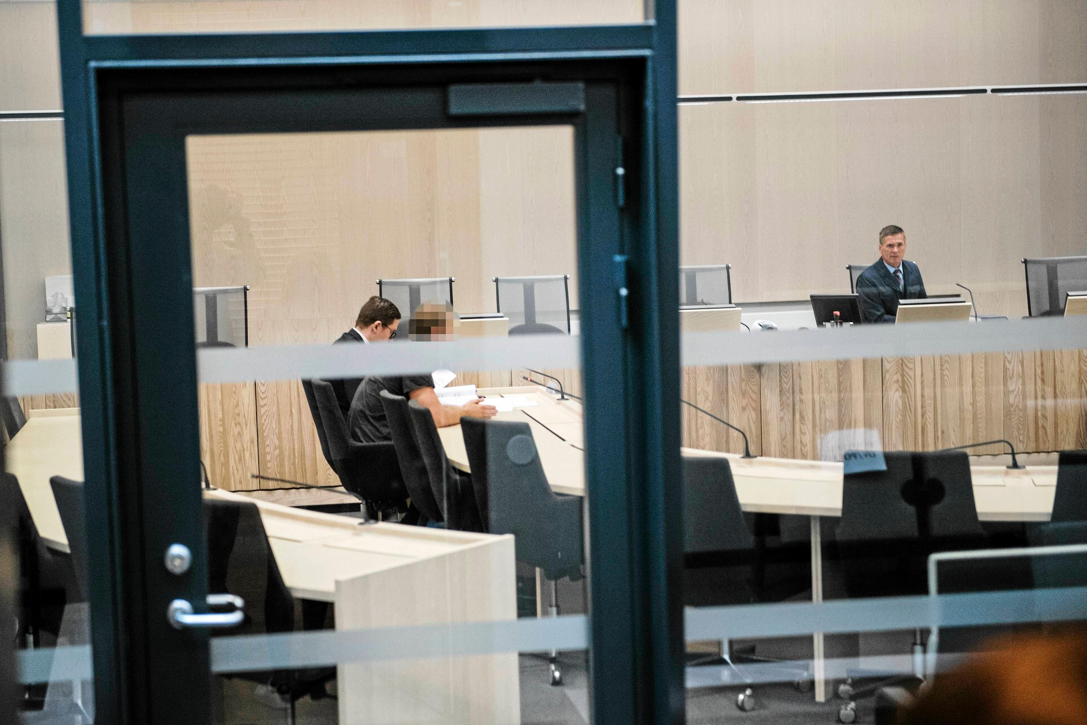 Här är 28-åringen under en häktningsförhandling i Örebro tingsrätt förra året.