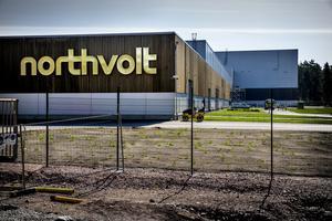 Bilbatteritillverkaren Northvolts fabrik i Västerås, som snart kompletteras med en jätteanläggning i Skellefteå.