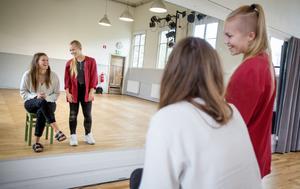 Clara Blankefors och Linnéa Sundling räknar med att det blir fullt på både konserterna och på workshopparna.
