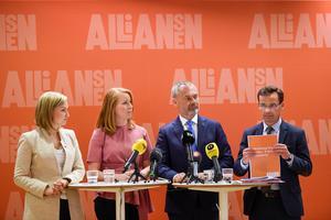 Dags att skrota blocken i fler frågor? Här Alliansens partiledare Ebba Busch Thor (KD),  Annie Lööf  (C), Jan Björklund  (L) och  Ulf Kristersson (M). Bild: Henrik Montgomery/TT