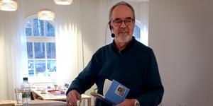 Bo R Holmberg, författaren som är född i Ådalen men numera bor i Örnsköldsvik.