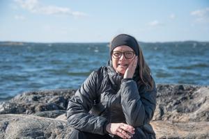 Lill-Marie Öhgren-Sundström trivs delar sitt stora intresse för skärgården med maken Håkan. Båda fotograferar ofta i skärgården.