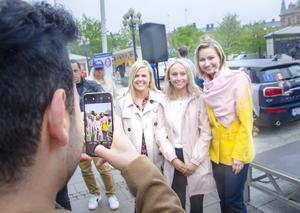 Ebba Busch Thor tillsammans med Ronja Strid och Felicia Bengtsson från Sundsvall.