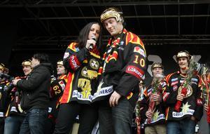 Johan Larsson under SM-guldfirandet med Brynäs 2012. Bild: Pernilla Wahlman/Scanpix/TT