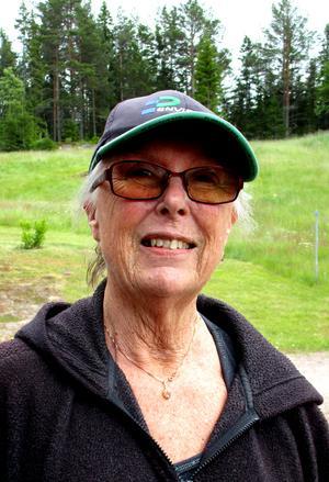 Ingrid, 58, trivs på Trysunda även på vintern. Foto: Uno Gradin