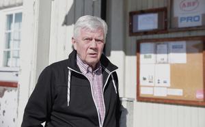 PRO-föreningens ordförande, Åke Henriksson, tycker det är bedrövligt hur den gamla byggnaden fått förfalla.